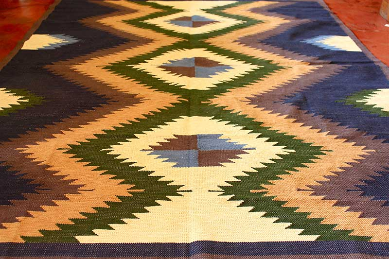 Tapestry-woven cotton kilim area rug