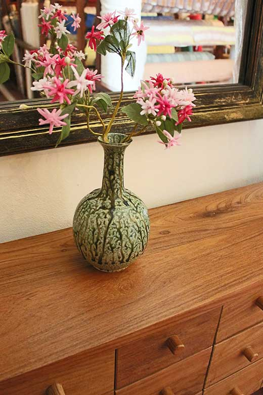 Long-neck flower vase from Chiang Mai