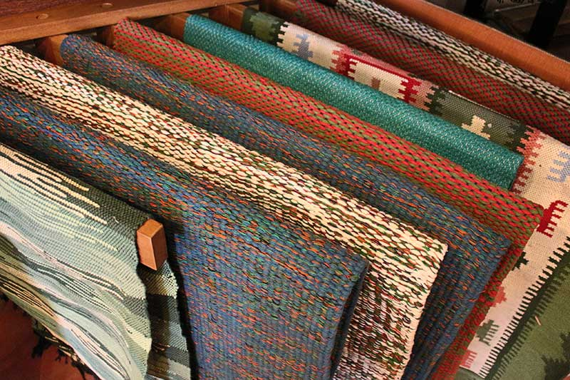 Cotton mats with a variety of weaving techniques