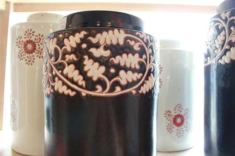 Ceramic tea leaf storage containers