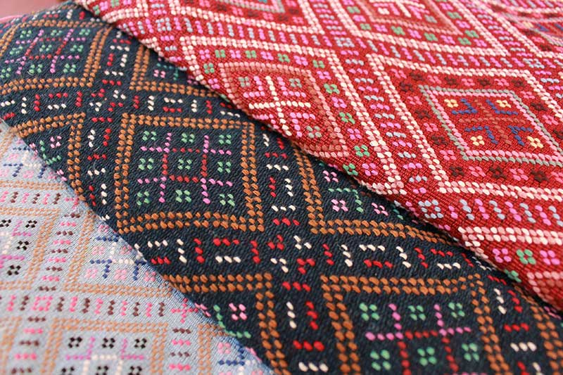 Karen runners using continuous supplementary weft brocade weave